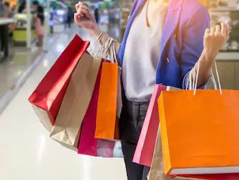 Notre société de consommation actuelle est-elle construite par les consommateurs ou les entreprises?