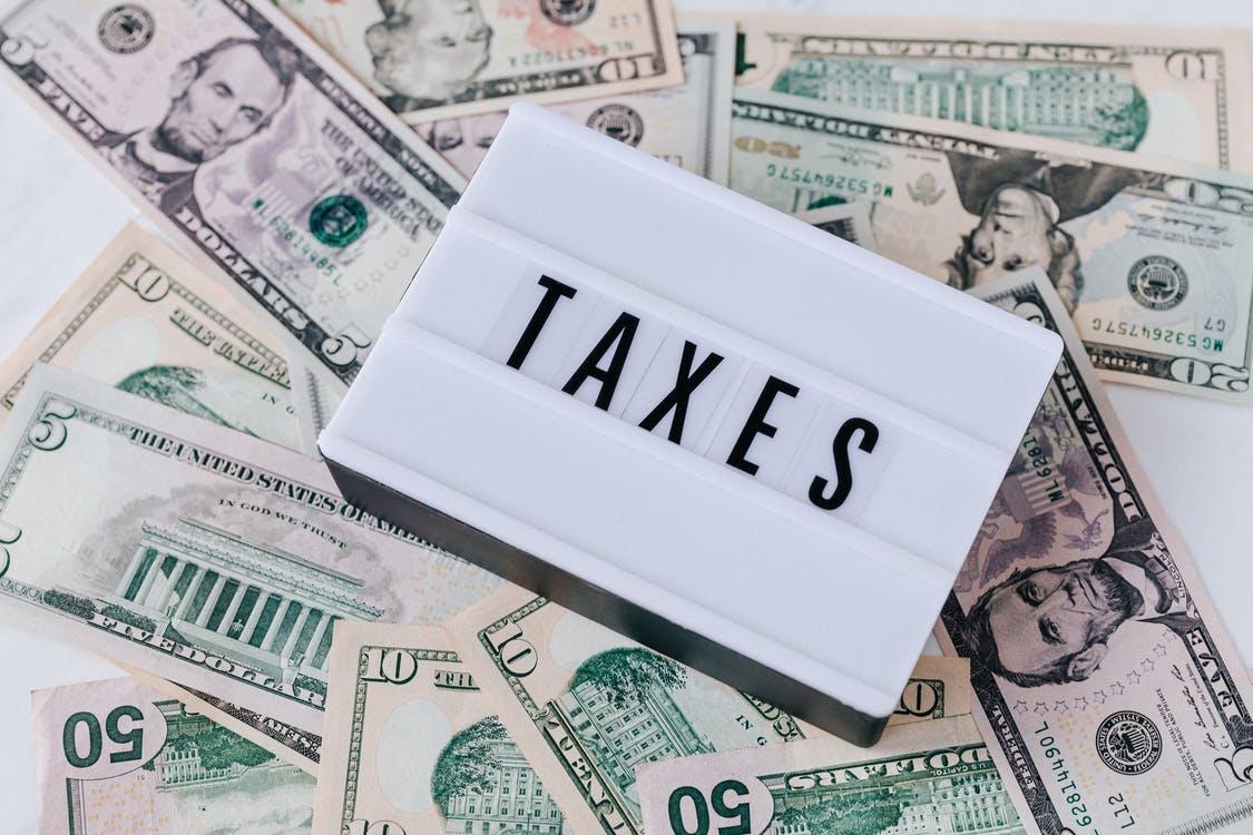 Les riches sont trop taxés c'est pour ça qu'il y a du chômage! Ou pas